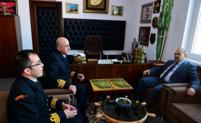 Vali Ustaoğlu'ndan Trabzon Deniz Komutanlığı'na ziyaret