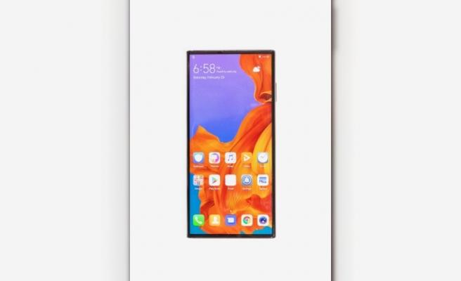 Huawei'nin katlanabilir telefonununa Barselona'da büyük ilgi