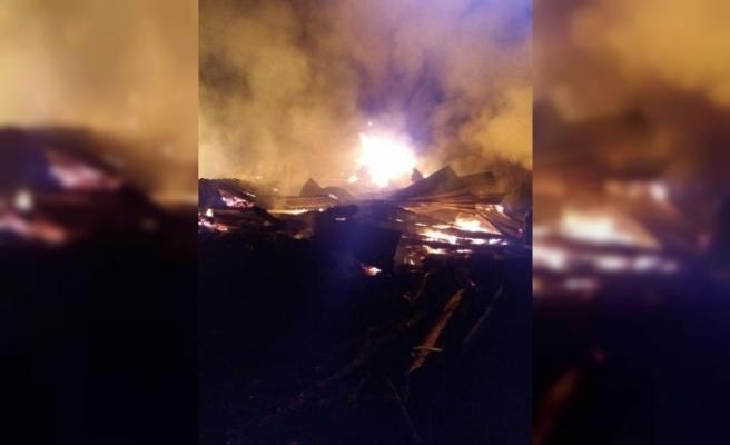 Kastamonu'da ev ve ahır yangını