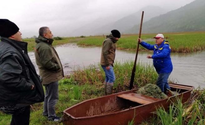Düzce'de göl içerisinde 850 metre ağ yakalandı