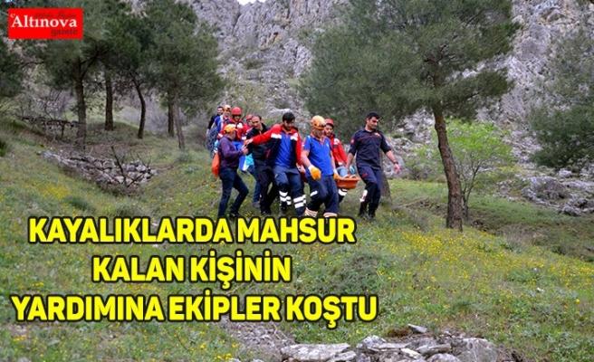 Kayalıklarda mahsur kalan kişinin yardımına ekipler koştu