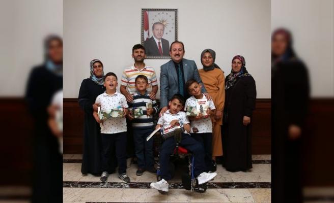 Üçüz kardeşlerden Vali Pehlivan'a ziyaret