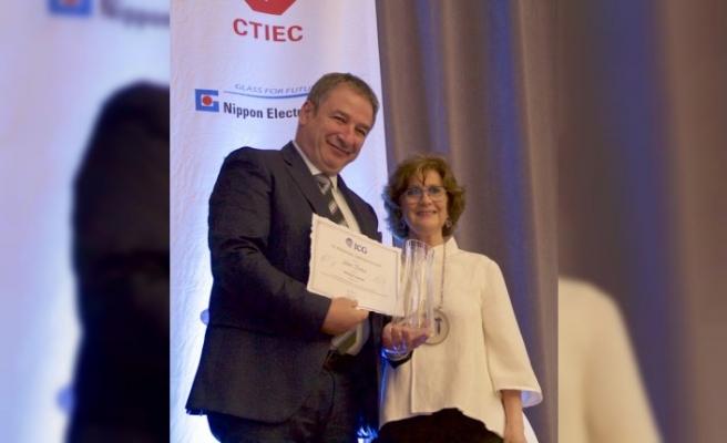 Uluslararası Cam Komisyonu'ndan Prof. Dr. Ahmet Kırman'a ödül