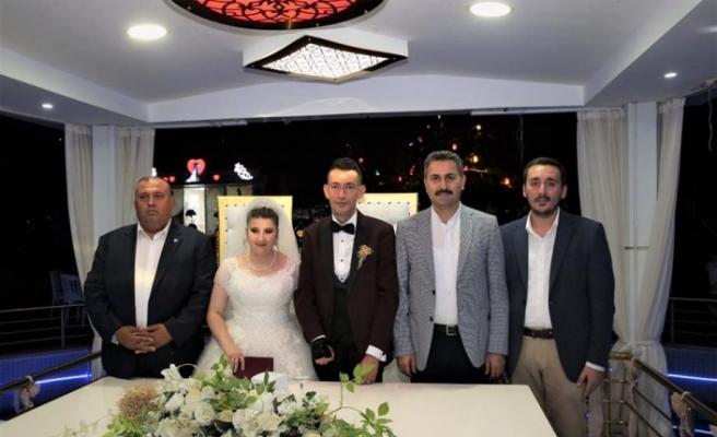 Engellilerin nikahını Belediye Başkanı Eroğlu kıydı