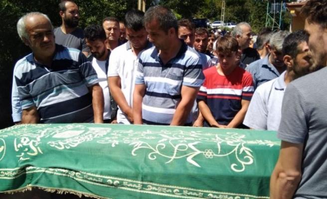 Trafik kazasında ölen baba ve oğlunun cenazeleri toprağa verildi
