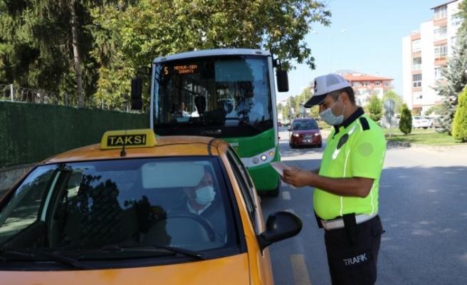 Bolu'da taksiler ve toplu taşıma araçlarına yönelik koronavirüs denetimi yapıldı
