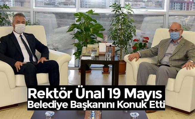 Rektör Ünal 19 Mayıs Belediye Başkanını Konuk Etti