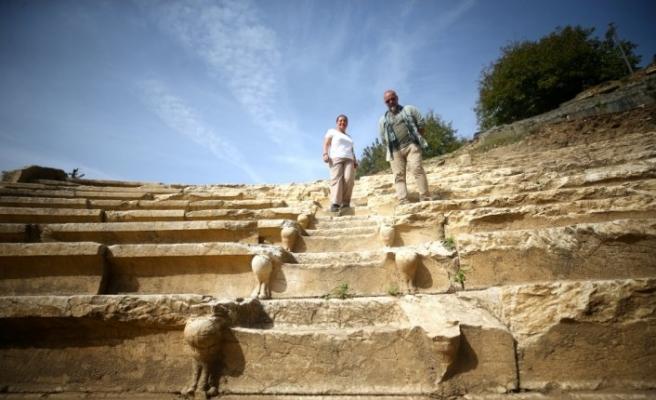 Arkeoloji merakı 46 yaşında üniversite öğrencisi yaptı