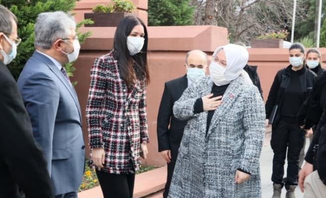 Aile, Çalışma ve Sosyal Hizmetler Bakanı Selçuk, Samsun Valiliğini ziyaret etti