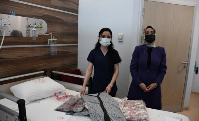 Çorum'da şiddet gören hemşire, zanlıyı 200 hastaya pijama alması karşılığında affetti