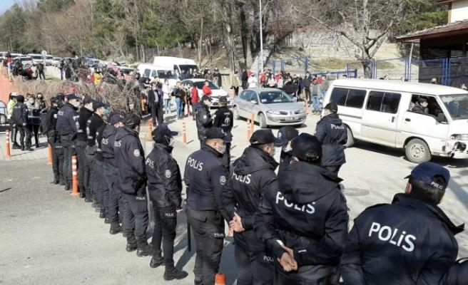 Karabük merkezli 8 ildeki suç örgütü operasyonunda 12 şüpheli tutuklandı