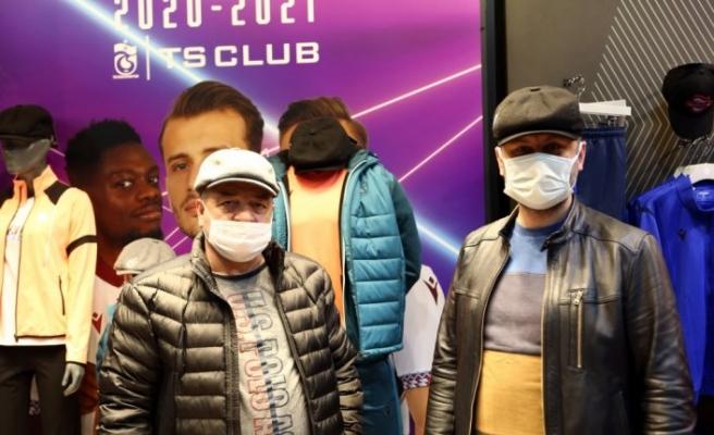 Trabzonspor kasketleri yok sattı