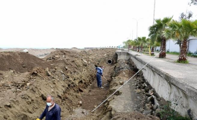 Akçaabat'ta kesintisiz bisiklet ve yürüyüş yolunun yapımına başlandı