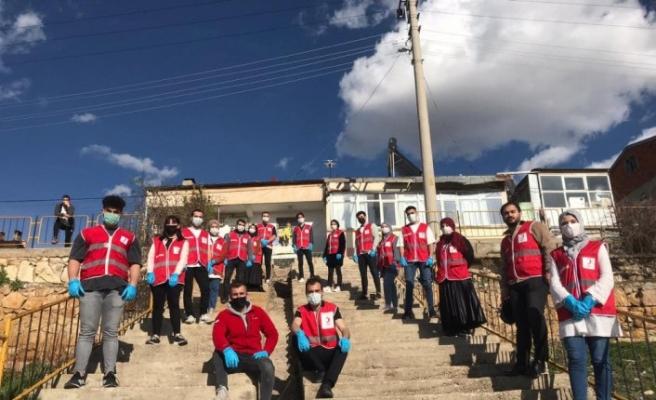 Türk Kızılay, Bayburt'ta 750 pide dağıttı