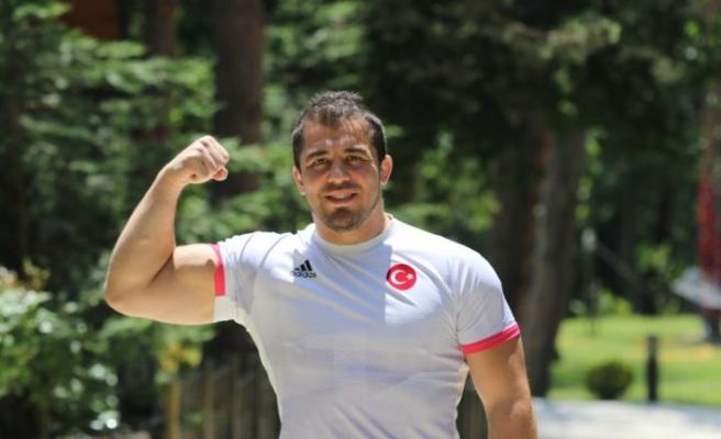 Milli güreşçiler, olimpiyat madalyası hedefi için Bolu'da form tutuyor