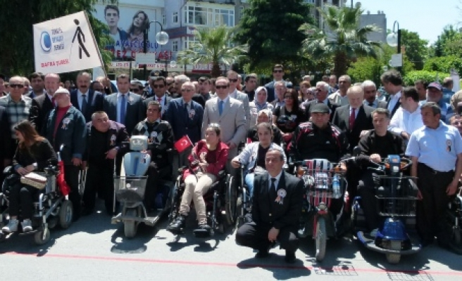 Engelliler Haftası Yürüyüşü Yapıldı
