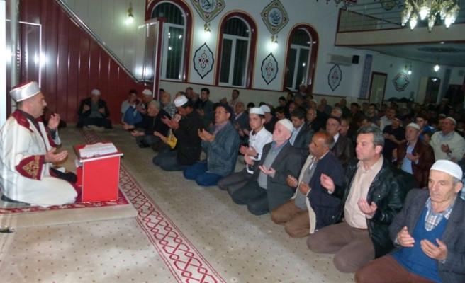Regaip Kandili'nde camiler doldu taştı