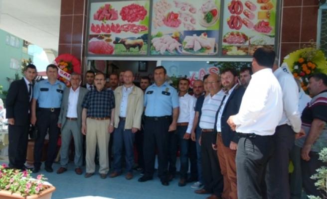 Emekli Polisin Kasap Dükkânın Açılışı Yapıldı