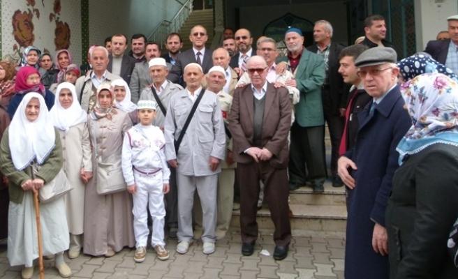 Bafra'dan 86 Kişi Umreye Gitti