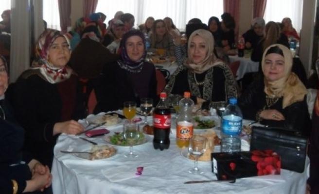 Bafra Cumhuriyet Ortaokulundan Veli-Öğretmen Kaynaşma Yemeği