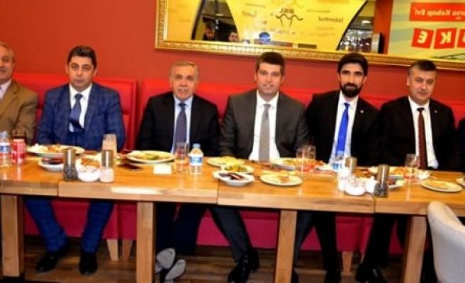 Bafra GİAD'tan Öğrencilere Birliktelik Yemeği