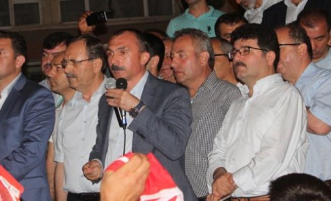 Bafra Halkı; Demokrasiye Sahip Çıktı