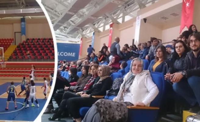 Bafra Halkı ve Bafra İşaret dili ekibi takımlarını yalnız bırakmadı.