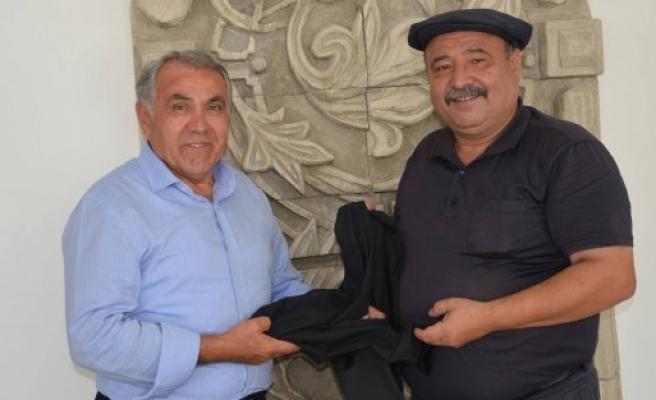 Bafra Kaymakamından  Köy TV Program Yapımcısına Şalvar