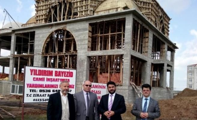 Bafra Müftüsü İsmail Çiçek Camii İnşaatlarını Gezdi