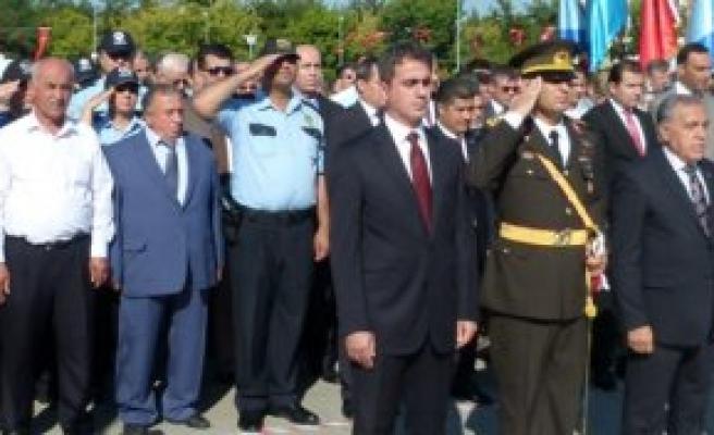 Bafra'da 30 Ağustos Zafer Bayramı Törenle Kutlandı