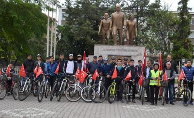 Bafra'da bisiklet severlerden 29 Ekim Bisiklet Turu