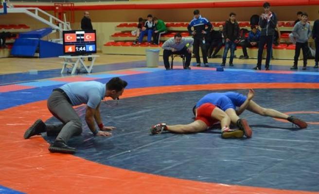 Bafra'da Güreş Seçmeleri
