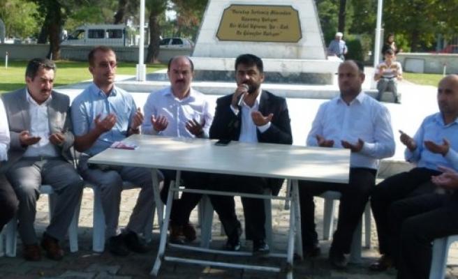 Bafra'da Şehitler Arife Gününde Dualarla Anıldı