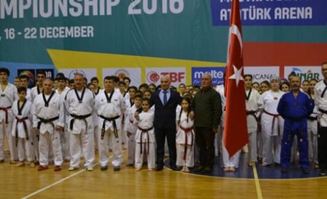 Bafra'lı Taekwondocular Samsun'da Siyah Kuşak Müsabakasına Katıldı