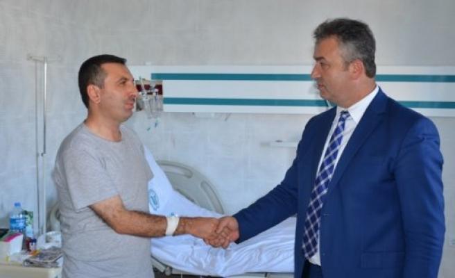 Başkan Sarıcaoğlu'na Hastane'de Ziyaret