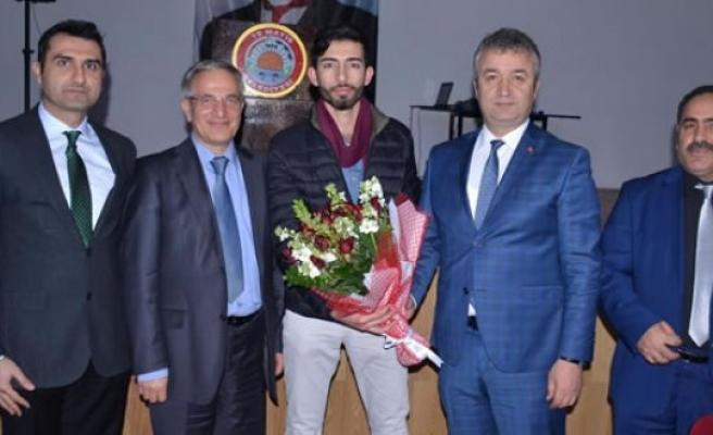 Belediye Başkanı Topaloğlu, Öğrencilerle Buluştu