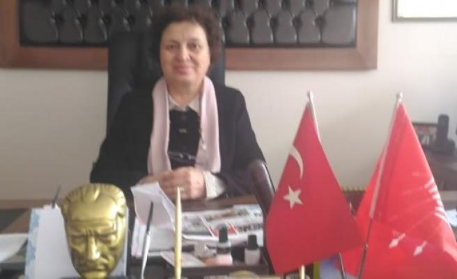 CHP Bafra İlçe Örgütü Kadın Kolları Başkanı Fatma Şener Dursun'dan Basın Açıklaması