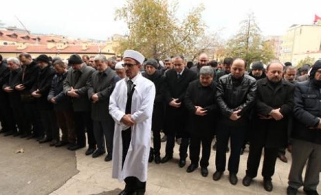Halep'te Hayatını Kaybedenler İçin Gıyabi Cenaze Namazı Kılındı