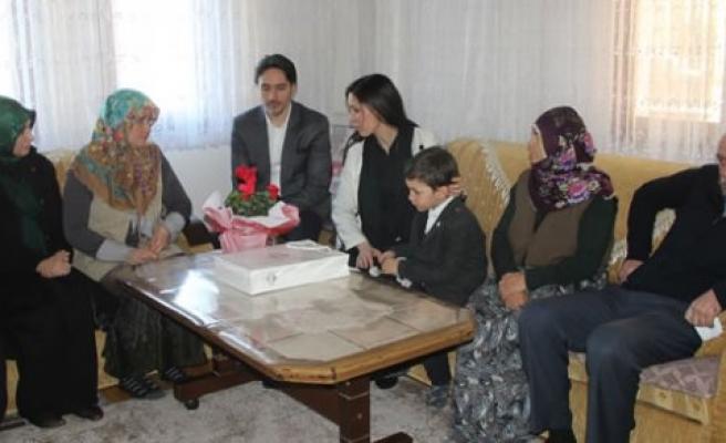 Karaaslan'dan Şehit Ailelerine Ziyaret