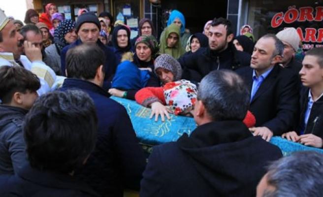 Kayınpederi Tarafından Vurularak Öldürülen Kişinin Cenazesi Toprağa Verildi