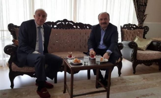 Samsun Valisi İbrahim Şahin, Vekil Usta'ya taziye Ziyaretinde Bulundu
