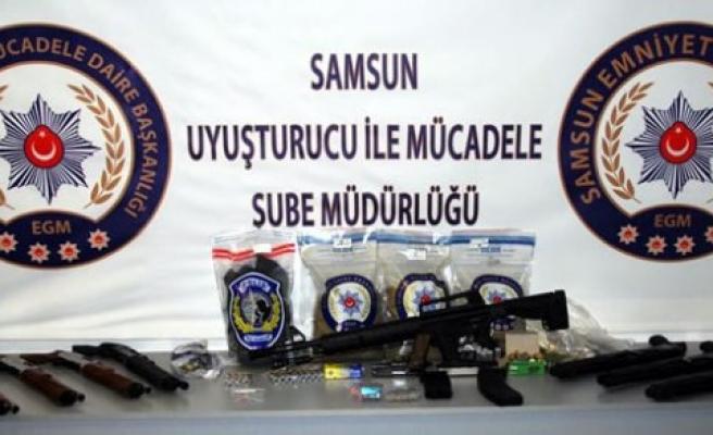 Samsun'da  2 Kilo 400 Gram Sentetik Uyuşturucu Ele Geçirildi.