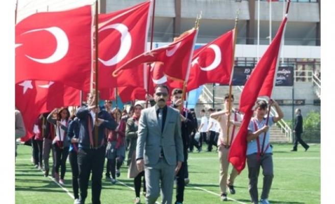 Samsun'un Bafra ilçesinde 19 Mayıs Atatürk'ü Anma, Gençlik ve Spor Bayramı çeşitli etkinliklerle kutlandı.