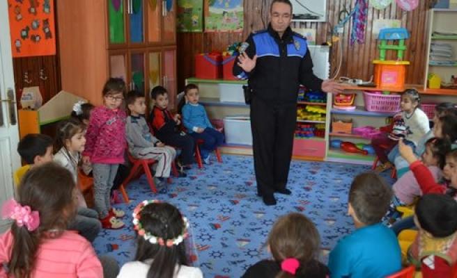 Toplum destekli polislerden anaokuluna ziyaret