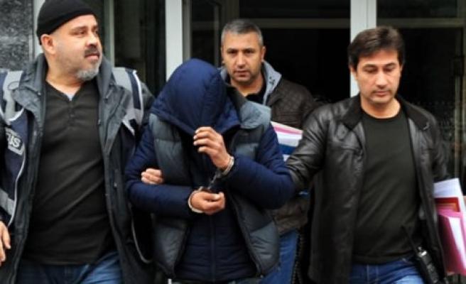 Üç Kadının Cep Telefonunu Çalan Zanlı Tutuklandı