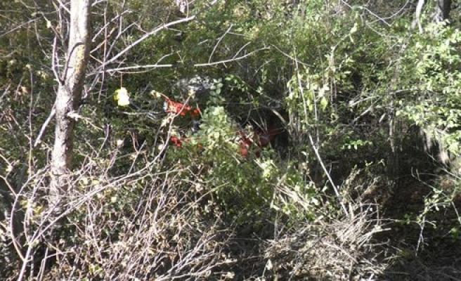 Uçuruma devrilen traktörün sürücüsü öldü
