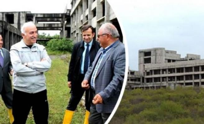 Vali Şahin, Bafra'ra da atıl hastane inşaatını inceledi