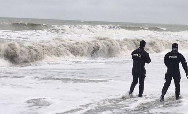Yakakent'te Denize Açılan Balıkçıya 5 Gündür Ulaşılamadı