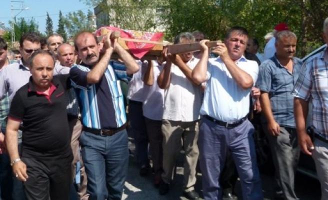 YAKINTAŞ'DA ASİYE PEKER, SON YOLCULUĞUNA DUALARLA UĞURLANDI