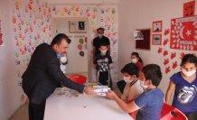 Suluova Ülkü Ocakları 10 bin maske dağıtıyor